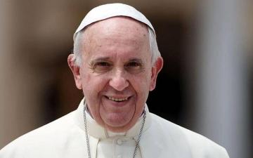 الصورة: البابا فرنسيس يلتقي أعضاء لجنة تحكيم جائزة زايد للإخوة الإنسانية