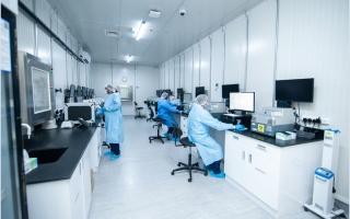 الصورة: 15 مختبراً بأبوظبي  تشارك في اختبار الجدارة النوعي لفحوص «كوفيد-19»
