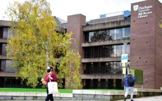 الصورة: جامعات بريطانية تعاني الطبقية والتحيز حيال  اللكنات المحلية