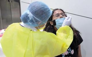 الصورة: 1111 إصابة جديدة بـ «كورونا».. و3 حالات وفاة
