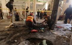الصورة: باكستان: مقتل 7 وإصابة 80 في انفجار قنبلة بمعهد ديني