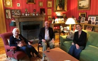 الصورة: ملك بلجيكا السابق يلتقي ابنته التي رفض الاعتراف بنسبها