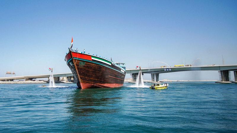باخرة الشحن «عبيد» بدأت الإبحار بعد جهد استغرق أربع سنوات. تصوير: أشوك فيرما