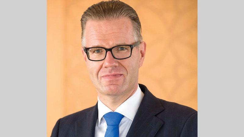 بيرناردز فان ليندر:  «استمر البنك بشكل فعال في اتخاذ الإجراءات الاستباقية لدعم عملائه وموظفيه واقتصاد دولة الإمارات خلال (الجائحة)».
