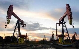 الصورة: ارتفاع أسعار النفط بعد 4 أيام من التراجع