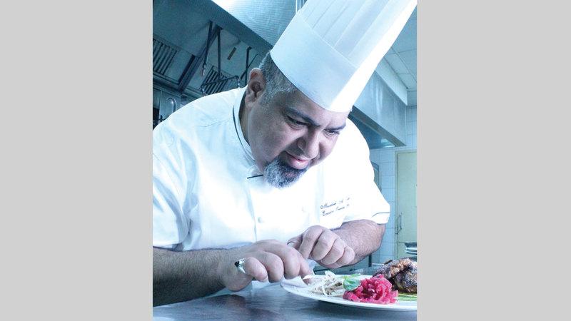 بدأت رحلة مصبح الكعبي مع عالم الطبخ والمأكولات كهواية. الامارات اليوم