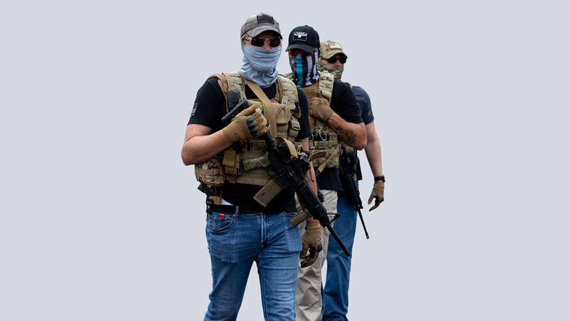 مسلحون مؤيدون لترامب في فينيكس. أ.ف.ب