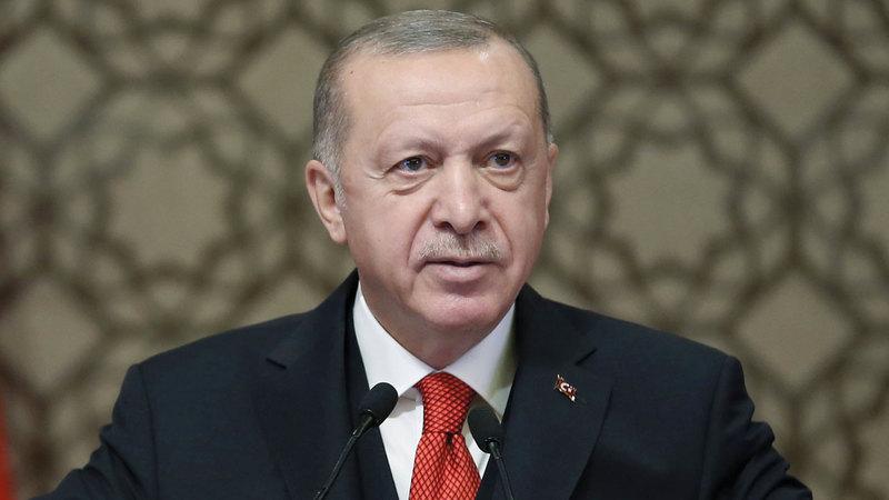 أردوغان قبل استقالة صهره وعين بديلاً عنه. أ.ب