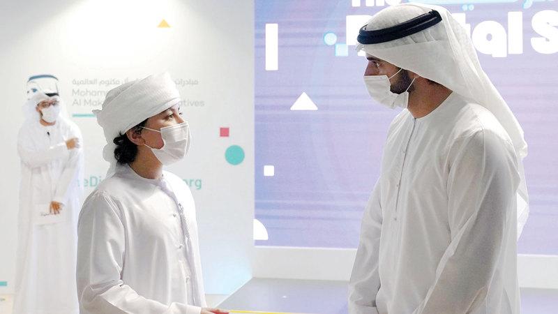 وليّ عهد دبي خلال حضوره الاحتفالية الخاصة للإعلان عن إطلاق «المدرسة الرقمية». من المصدر