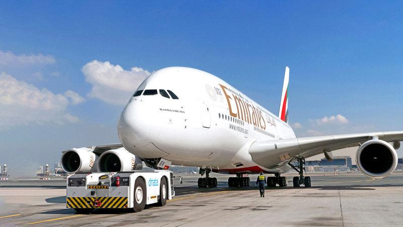 «طيران الإمارات» و«دناتا» تمكنتا من التحول بسرعة لخدمة الطلب على البضائع مع توقف السفر.  من المصدر