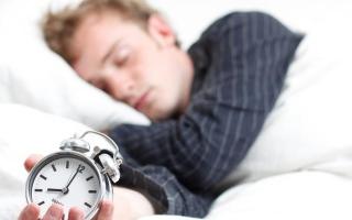 الصورة: النوم أقل من 6 ساعات يرفع خطر الإصابة بالخرف