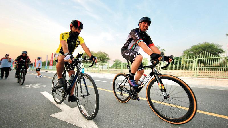يتيح تحدي الدرّاجات الهوائية مسارين للانطلاق بصحبة أفراد العائلة الكبار والصغار أو الأصدقاء. من المصدر