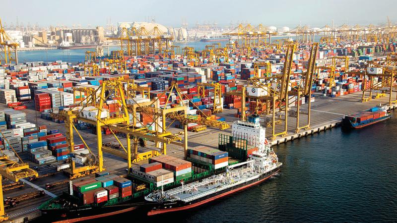 دبي حققت خلال الربع الأول من 2020 نمواً في الصادرات بنسبة 2% مقارنة بالفترة نفسها من 2019. ■ أرشيفية
