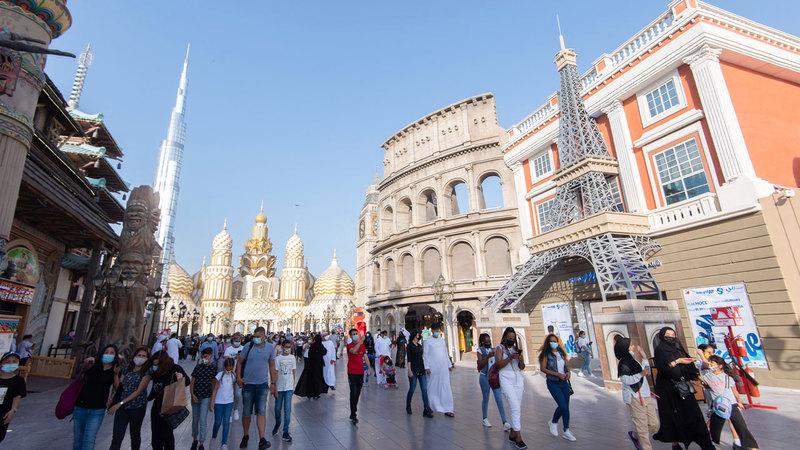 3.3 ملايين نسمة إجمالي سكان دبي حتى نهاية العام الماضي. ■ تصوير: أحمد عرديتي