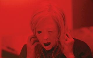 الصورة: «بوسيسور».. يخفق في الخيال العلمي وينجح في الرعب