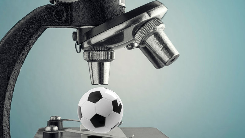 تحليل مباريات كرة القدم تحت مجهر المشاهدين.   الإمارات اليوم