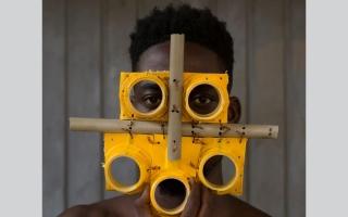 """الصورة: بالصور.. فنانون يبتكرون أشكالا جديدة لكمامات """"كورونا"""""""