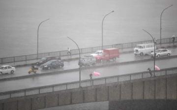 الصورة: بالفيديو.. سقوط أمطار ثلجية كثيفة على القاهرة