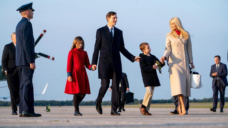 الزوجان يغادران واشنطن بعد نهاية فترة الرئيس في البيت الأبيض.  عن المصدر