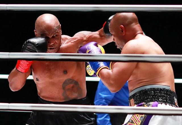 صورة بالصور.. عودة مايك تايسون إلى حلبات الملاكمة بعمر الـ 54 تنتهي بالتعادل – رياضة – عربية ودولية