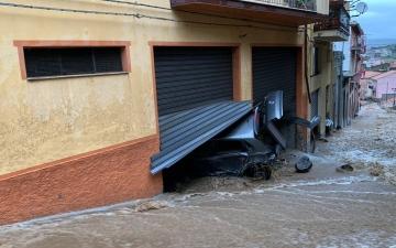 الصورة: فيضانات مفاجئة تضرب إيطاليا
