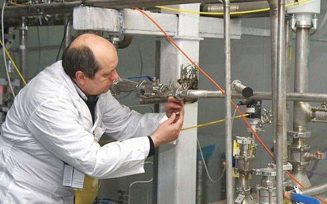 الصورة: محسن زاده.. أشرف على برنامج سرّي لصناعة سلاح نووي