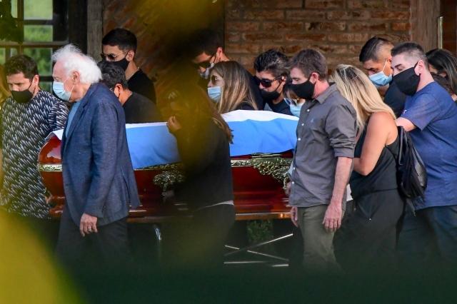 صورة ماذا طلب مارادونا من زوج صديقته قبل وفاته؟ – رياضة – عربية ودولية