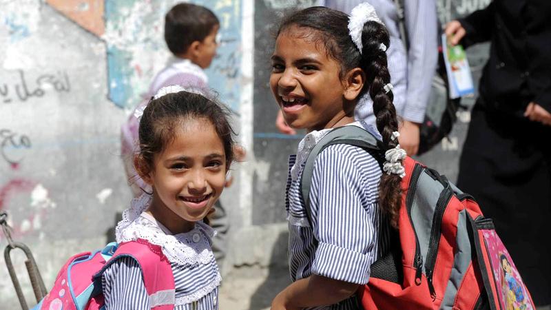 عدم تمكن الأطفال من الوصول إلى المدارس بسبب جائحة «كورونا» أثر في أوضاعهم النفسية.   أرشيفية