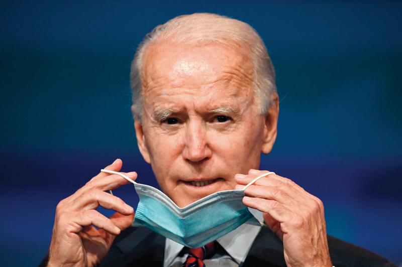 الرئيس الأميركي المنتخب: «في خطاب تنصيبي سأطلب من الناس الالتزام بوضع الكمامات لـ100 يوم».