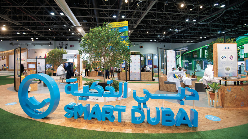 «دبي الذكية» استعرضت خلال «جيتكس» النتائج التي حققها «دبي الآن».  تصوير: أحمد عرديتي