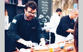 الصورة: «حملة الزبدة الأوروبية» تلتقي عشاقها في «جي بي آر» دبي