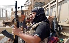 الصورة: ميليشيات الحوثي تدفع بتعزيزات كبيرة نحو جبهات الساحل الغربي