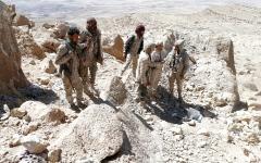 الصورة: تدمير منصة إطلاق صواريخ في عمران.. وتحرير مواقع استراتيجية بمأرب