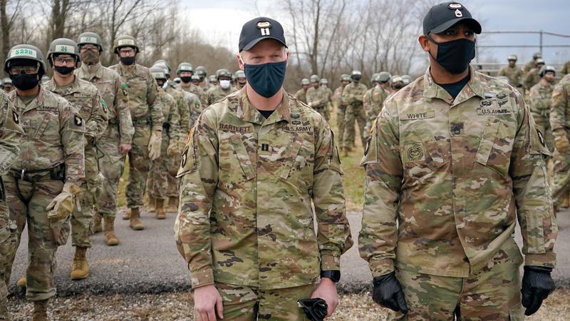 جنود أميركيون بمدرسة الهجوم الجوي.   رويترز