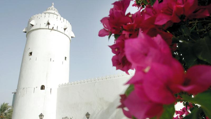 القصر شاهد تاريخي يروي صفحات الماضي العريق في أبوظبي.   أرشيفية