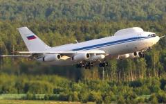 الصورة: طائرة الحماية النووية الخاصة بالرئيس الروسي تتعرض لسرقة محتوياتها