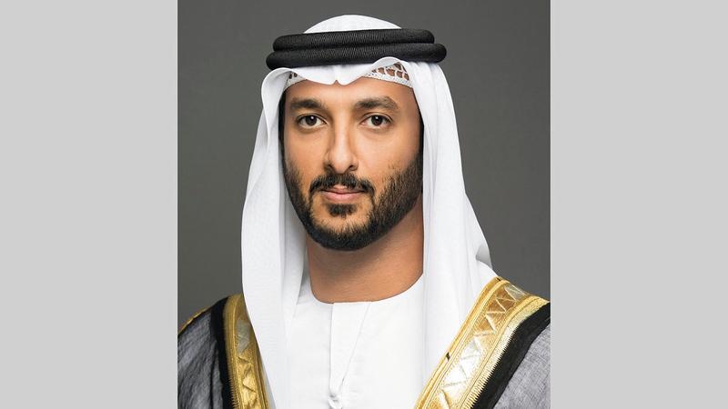 عبدالله بن طوق:  «الإمارات قطعت أشواطاً مهمة في دعم الاقتصاد، وتسريع وتيرة تعافي القطاعات الحيوية من تداعيات (كوفيد-19)».