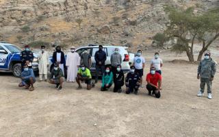 العثور على 9 أشخاص علقوا في وادي نقب يوماً كاملاً thumbnail