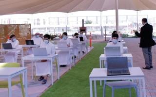 الصورة: 23 ألف طالب ينهون اختبارات الفصل الأول داخل «التقنية العليا»