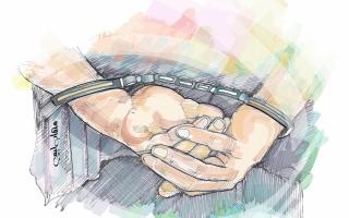 «جنايات دبي»: الحبس والإبعاد لامرأة تعدت على دورية شرطة thumbnail