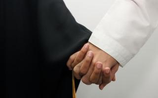 1106 عقود زواج بين مواطنين في دبي خلال 11 شهراً thumbnail