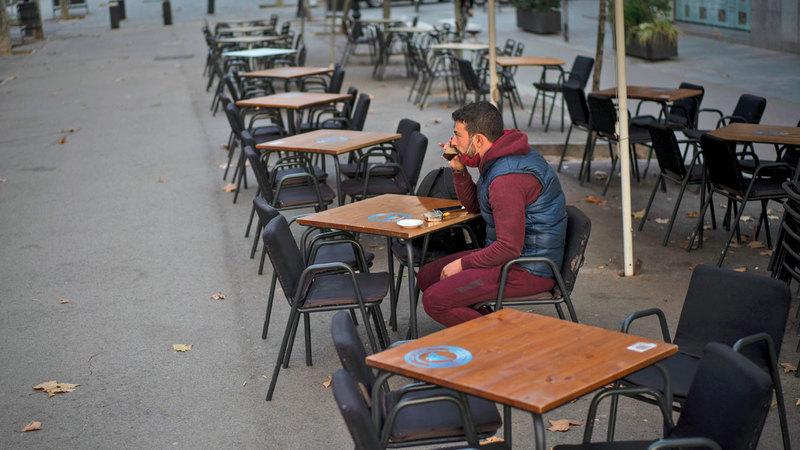 الزبائن هجروا المطاعم في إسبانيا.   أرشيفية