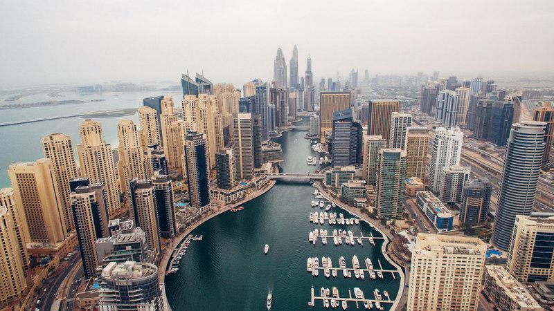 الإمارات تتعامل مع جائحة «كورونا» بديناميكية ناجحة تلقى استحساناً من جميع دول العالم.  أرشيفية