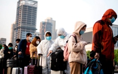 الصورة: 2020 عام مضى حافل بالأحداث.. الصين تشهد حالات التهاب رئوي عرف في ما بعد بفيروس كورونا