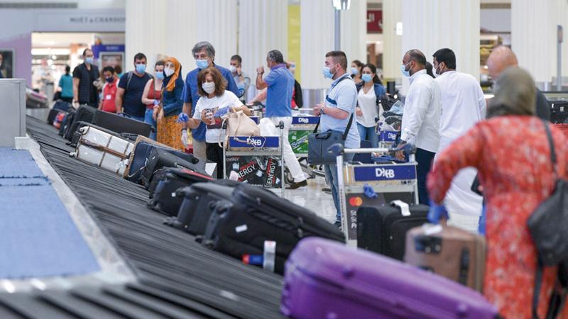 عدد الرحلات الجوية المنتظمة شهد تزايداً متواصلاً في «دبي الدولي». أرشيفية