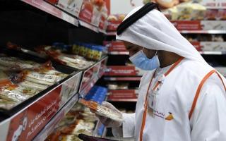 بلدية دبي تعزّز منظومة الرقابة على مواقع احتفالات رأس السنة thumbnail