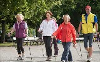 الصورة: دراسة :طريقة المشي تكشف صحتك العقلية