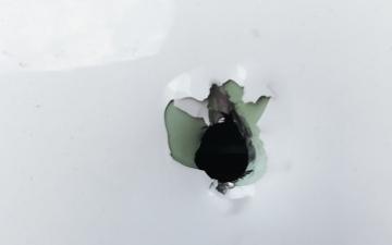 الصورة: لبنان: رصاص طائش يقتل لاجئة سورية ويخترق طائرة