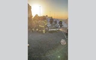 الصورة: وفاة مواطن واصابة آسيوي بحادث اصطدام في الفجيرة