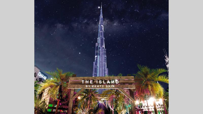 ممشى الواجهة المائية في «دبي مول» يستضيف فعالية الجزيرة من «فنتي سكين». من المصدر